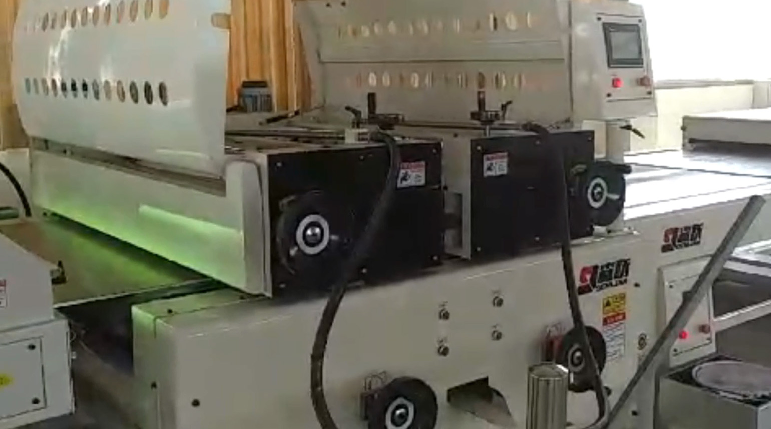 Automatic fluorocarbon coating line of  calcium...