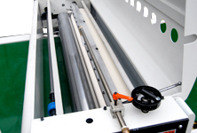 Auto lifting roller coating