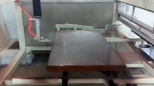Automatic five axis spray painting clear PU fin...