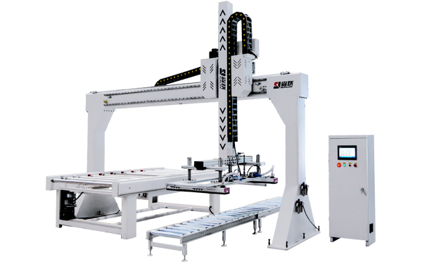 Automatic load and unload machine