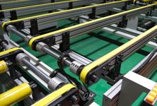 Parallel translation belt conveyor