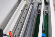 Top roller coating structure