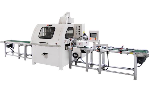 Automatic linear spraying machine